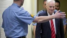 """La defensa de Mladic pide su libertad temporal porque """"su vida está en peligro"""""""