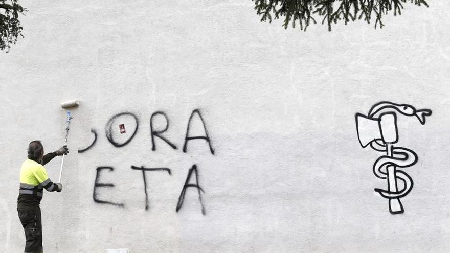 """ETA anuncia """"el final de su trayectoria"""" y confirma su """"disolución"""""""