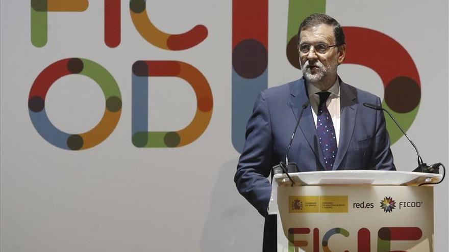 Rajoy promete conexión a internet ultrarrápida para todos los colegios