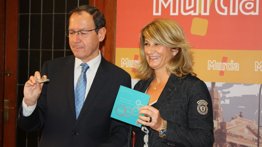 El alcalde de Murcia y la concejala de Hacienda presentaron los presupuestos de 2015 / murcia.es