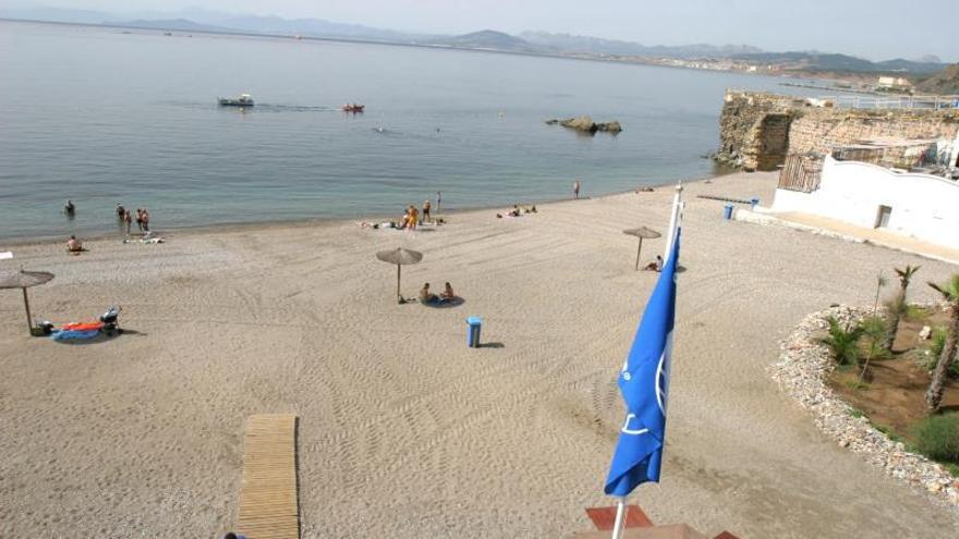 Panorámica de la la playa La Rivera de Ceuta.