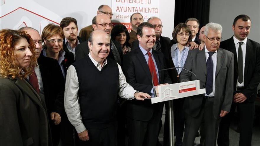 """Los alcaldes llaman a movilizarse contra la reforma local por """"privatizadora"""""""