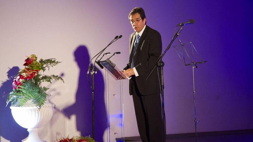 Antonio Martinón durante su intervención como mantenedor de la Fiesta de Arte de Puntallana.