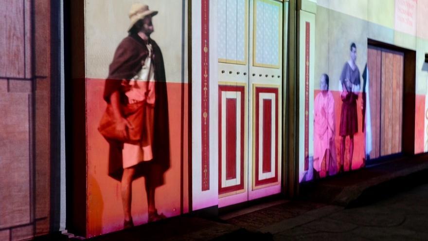 La Plaza Doce de octubre acoge una exposición sobre la vida en una ciudad romana