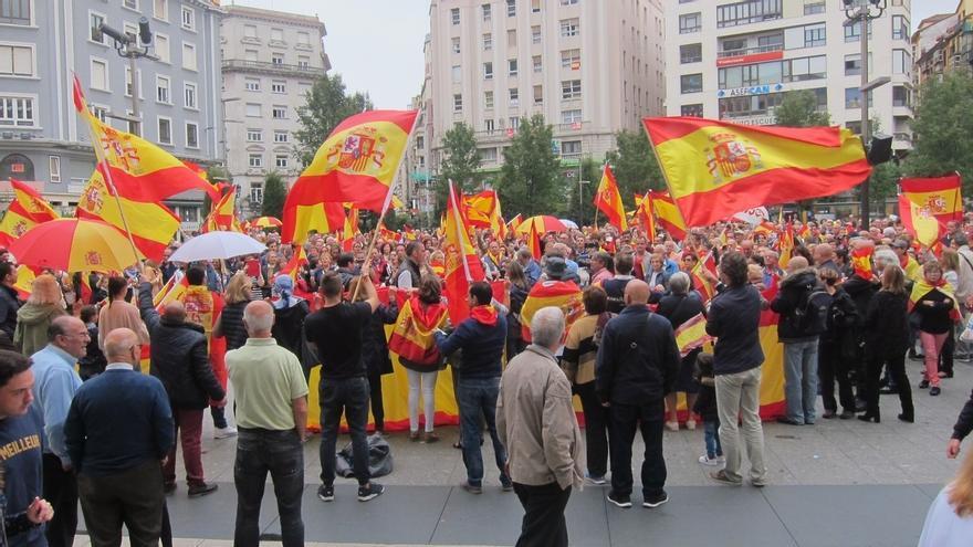 Cientos de personas secundan en Santander la convocatoria de Fundación Denaes contra el referéndum