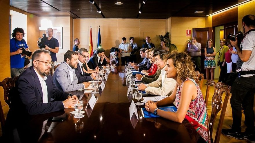 PP y Ciudadanos pretenden cerrar un acuerdo de investidura la próxima semana y empezarán el lunes con temas económicos