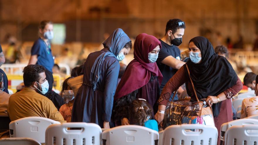 El primer vuelo con 350 afganos evacuados saldrá esta tarde de Rota a EEUU