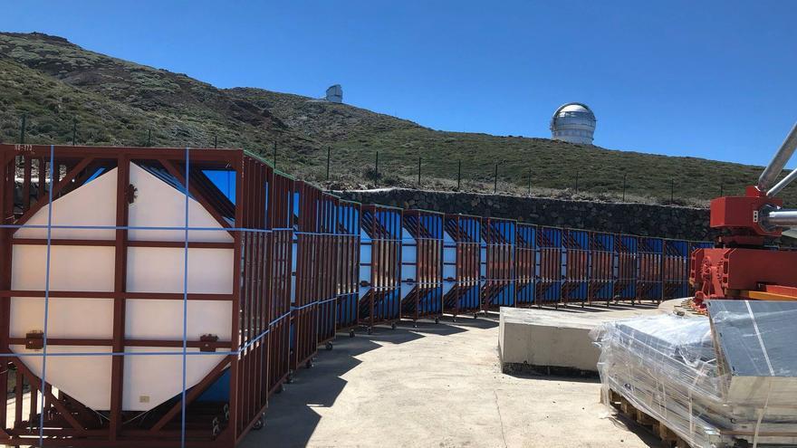 Espejos del prototipo de gran tamaño de la Red de Telescopios Cherenkov. Credito: D. Mazin (ICRR, U-Tokyo)