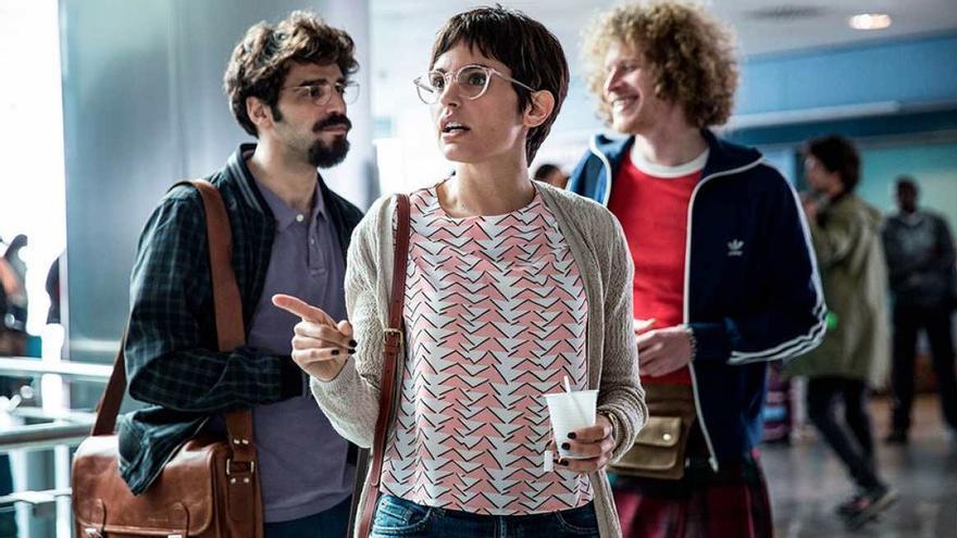 La comedia de María Ripoll 'No culpes al karma de lo que te pasa por gilipollas' presentada en los cines ABC El Saler