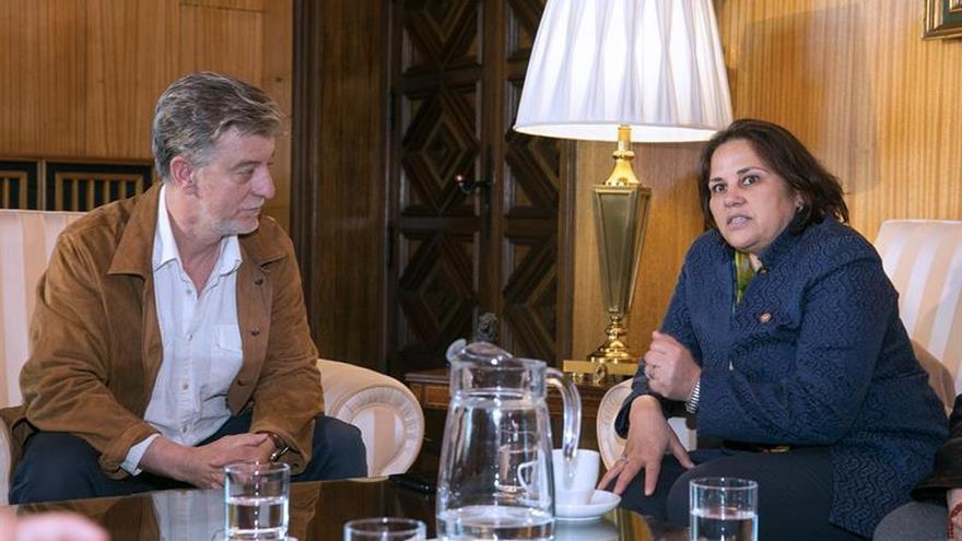 Samia Bouslama pide apoyo para que Túnez siga siendo un ejemplo de democracia