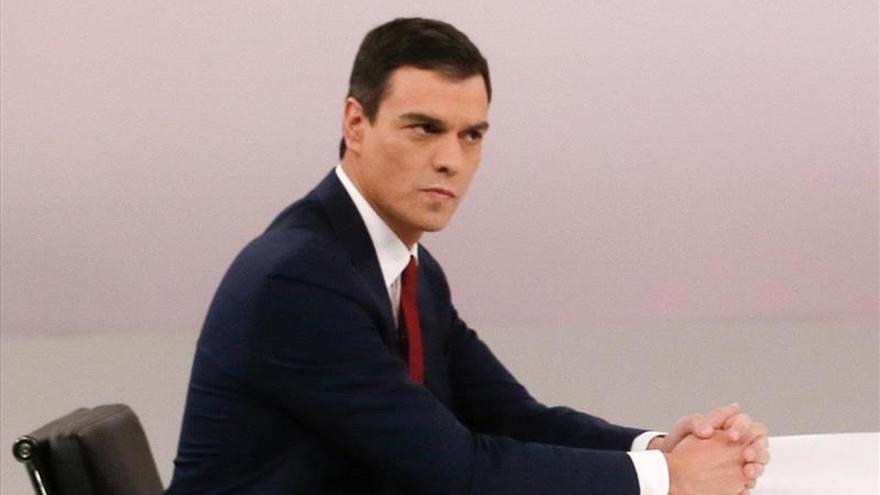 """Sánchez, a Rajoy: """"El presidente tiene que ser decente y usted no lo es"""""""