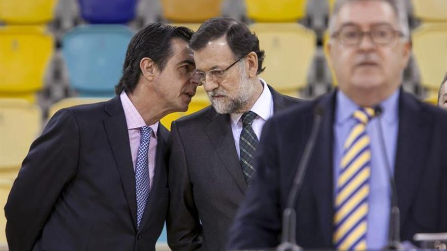 Soria y Mariano Rajoy en la inauguración del Gran Canaria Arena