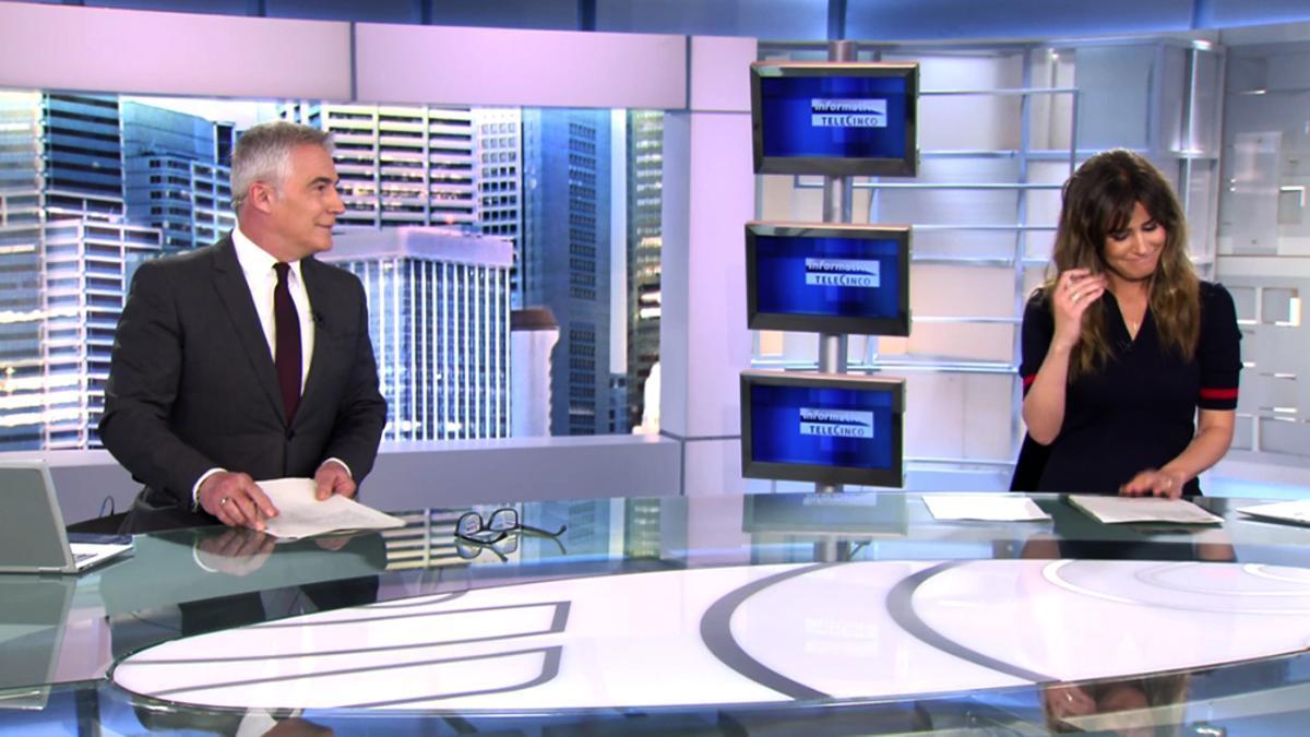 David Cantero e Isabel Jiménez en Informativos Telecinco.jpg