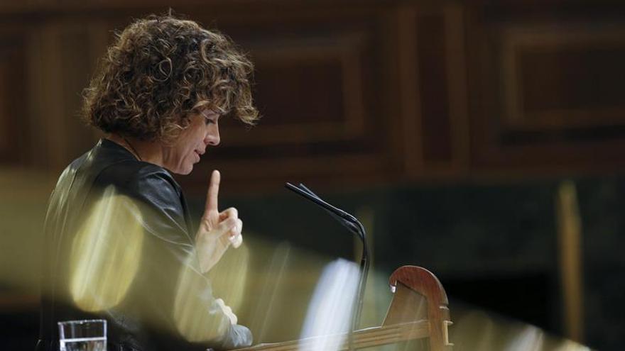 Montserrat dice a Podemos que si sus medidas contra la pobreza son las de Venezuela