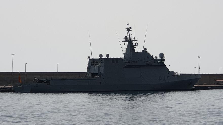 En la imagen, el buque 'Meteoro' atracado en el Puerto de la capital.