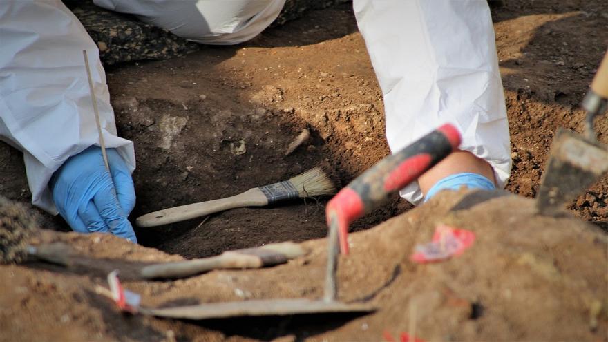 Las fosas comunes en Córdoba albergarían en torno a 4.500 víctimas del franquismo.   JUAN MIGUEL BAQUERO