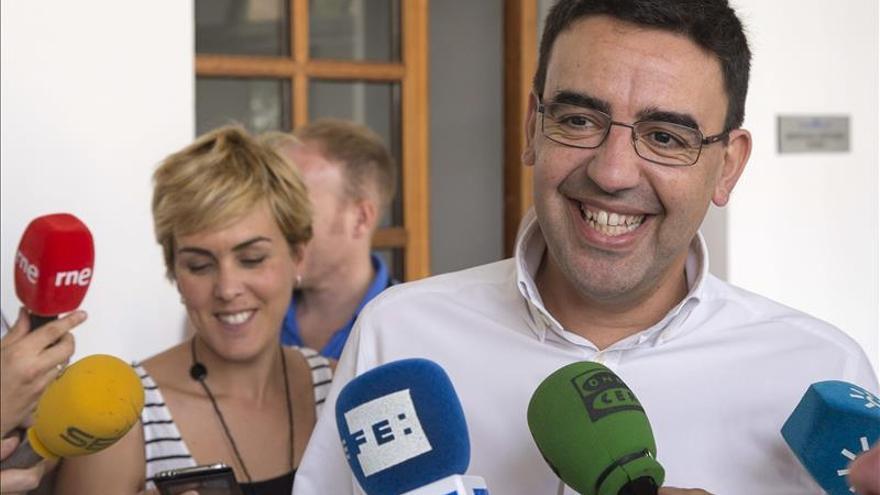 El PSOE-A impulsará la investidura si la oposición garantiza la abstención