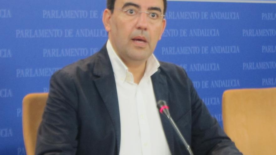 PSOE-A iniciará acciones penales por la adjudicación del servicio de agua a Aqualia en ayuntamientos de PP