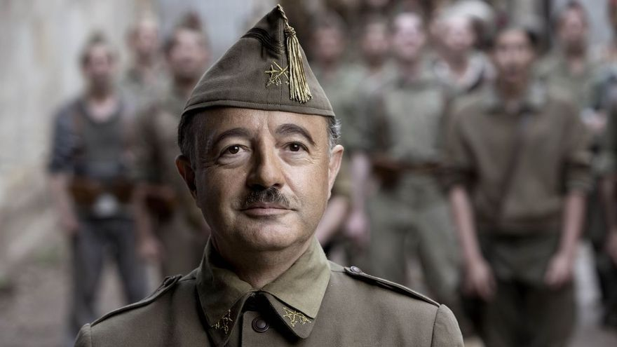 Santi Prego como Franco en 'Mientras dure la guerra'