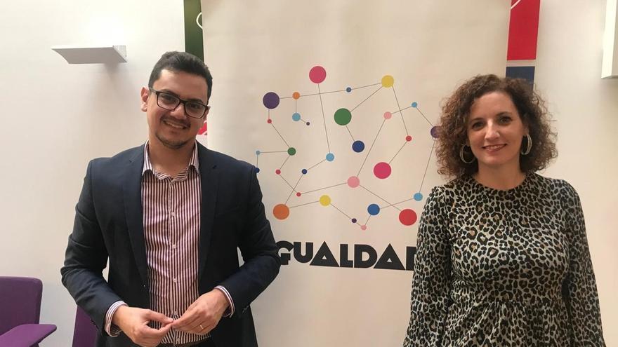 El consejero delegado de Participación Ciudadana y Diversidad del Cabildo de Tenerife, Nauzet Gugliotta, y la la consejera de Igualdad y Diversidad del Cabildo grancanario, Sara Ramírez.