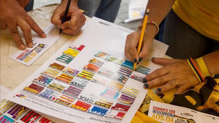 Venezuela inicia mañana la campaña de sus elecciones legislativas más reñidas