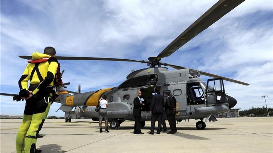 Un helicóptero en un acto de demostración de rescate. EFE