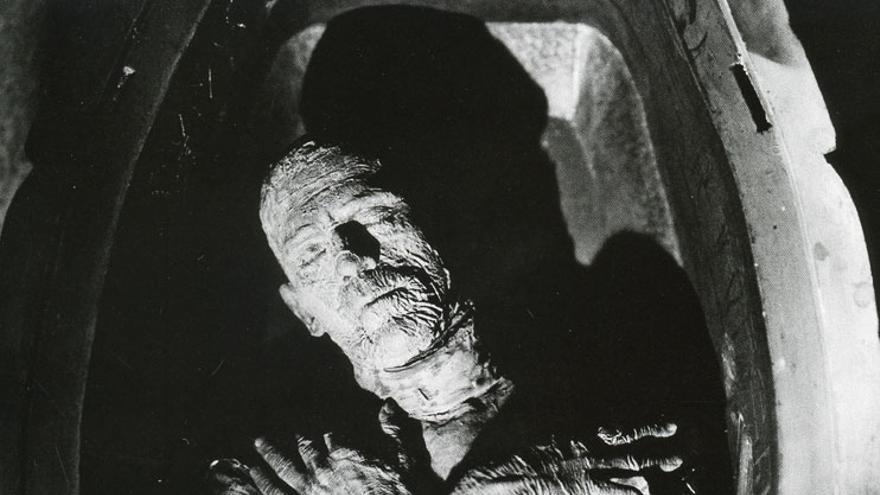Boris Karloff como La momia.