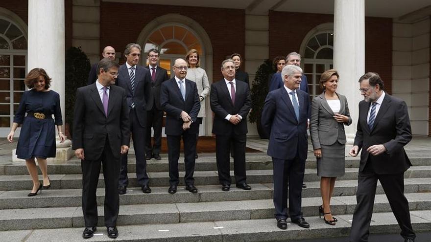 Rajoy preside la foto oficial y la primera reunión de su nuevo Gobierno