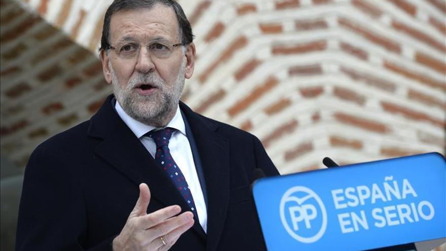 Rajoy: La decisión del TC alegra a los que creemos en España
