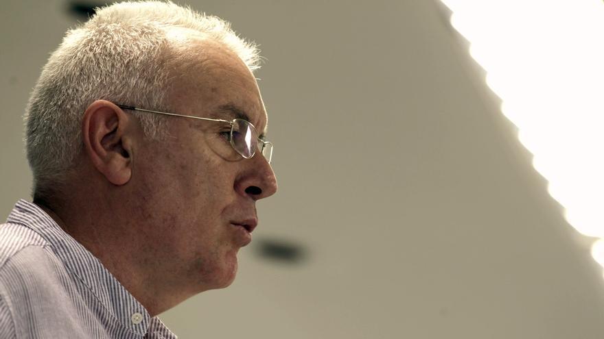 IU denuncia que la reforma constitucional antepone los recortes a la política social