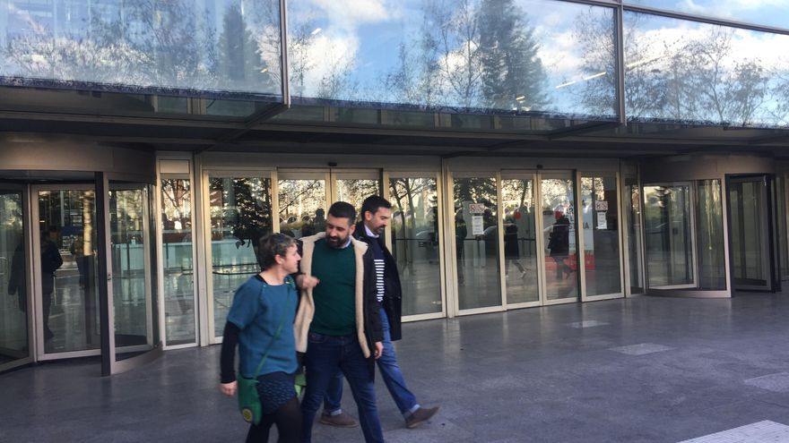El concejal de Cultura Festiva, Pere Fuset, a la salida de la Ciudad de la Justicia