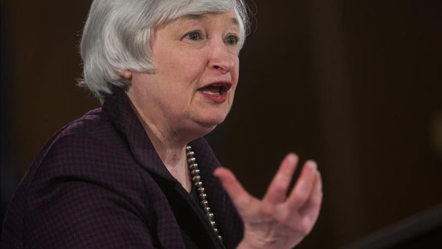 Yellen ve aún riesgos en los grandes bancos para la estabilidad en EE.UU.