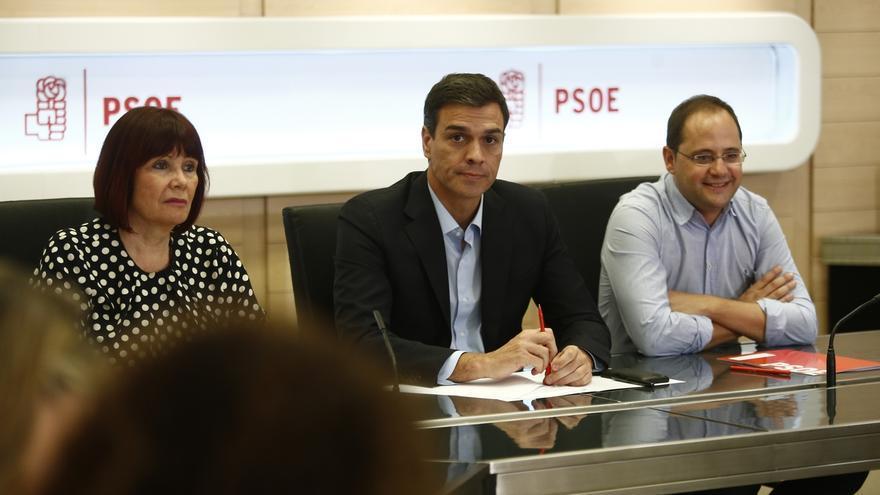 Pedro Sánchez anuncia a su Ejecutiva que quiere convocar ya el 39 congreso federal, con primarias en octubre