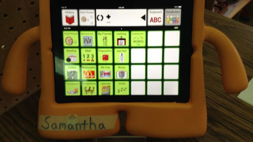 El iPad en sí mismo no es un sistema de comunicación, es necesario enseñar a la persona con autismo a utilizarlo
