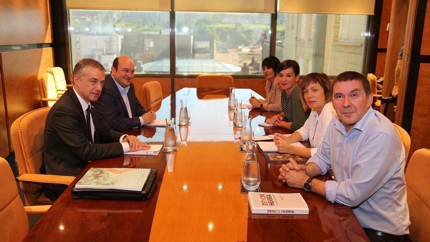 PNV y EH Bildu muestran su disposición a llegar a acuerdos en  autogobierno, paz y convivencia y temas sociales