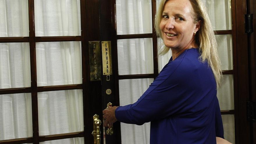 La exdiputada del PP Lourdes Méndez será candidata de Vox por Murcia y el historiador Fernando Paz, por Albacete