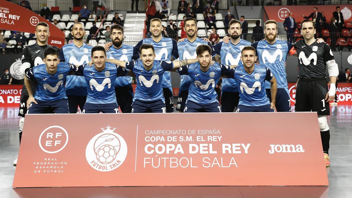 Formación del Inter, con Boyis y Cecilio