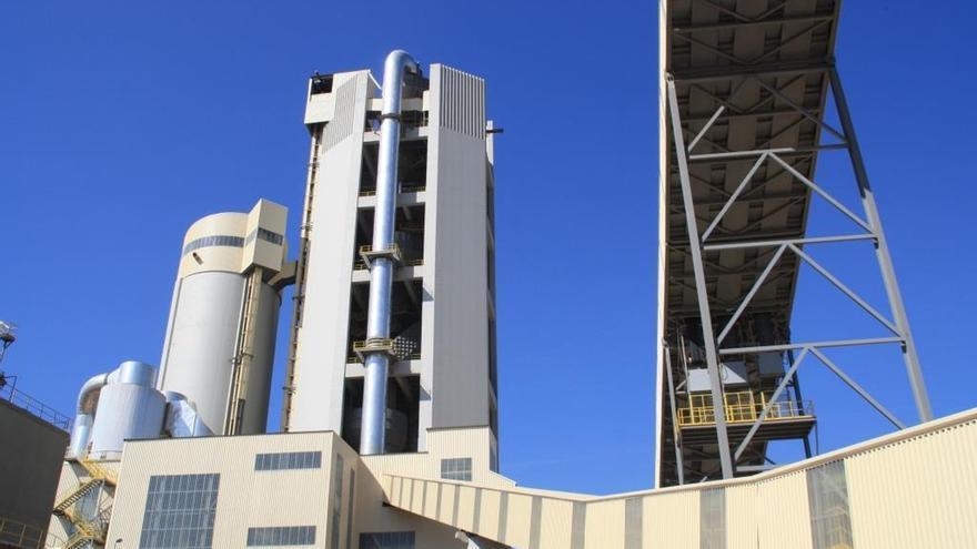 El consumo de cemento en Andalucía se desploma un 48,8% en abril tras situarse en 116.052 toneladas