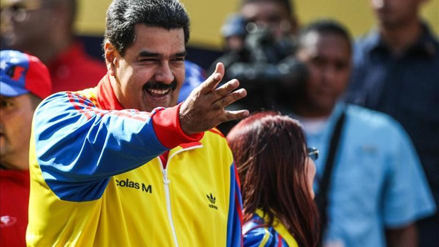 Maduro se reunirá hoy con Zapatero en vísperas de las legislativas