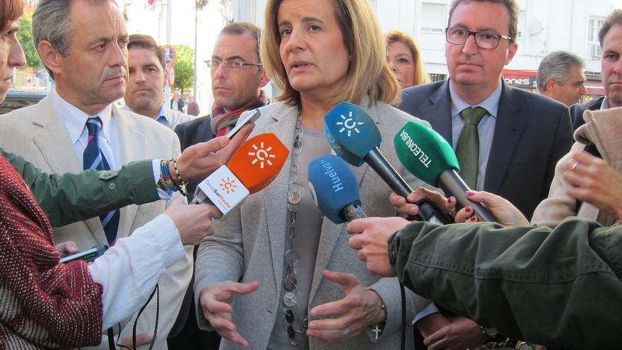 """Báñez destaca """"cercanía y afecto"""" de la gente con los candidatos y tilda de """"hecho aislado"""" la agresión a Rajoy"""