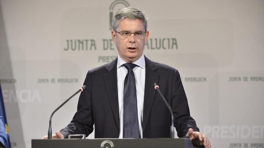 """La Junta andaluza cree que la renuncia de Cifuentes al máster """"no pone freno al desprestigio de las universidades"""""""