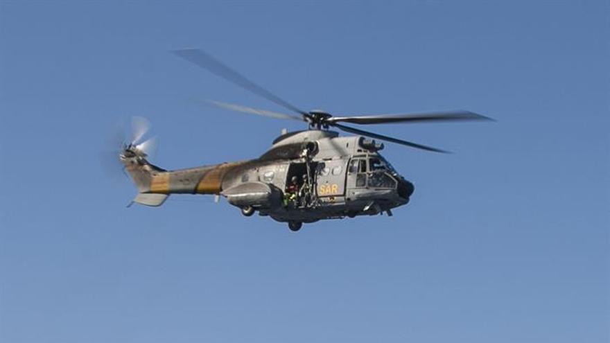 Un helicóptero rescata a 21 senderistas retenidos por caudal en Fuerteventura
