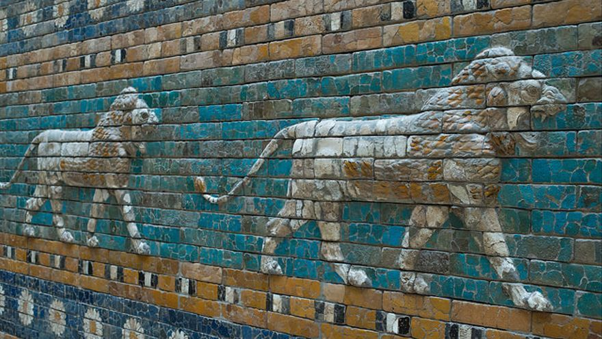 Una parte de la Puerta de Istar en el Museo del Pérgamo (Berlín)