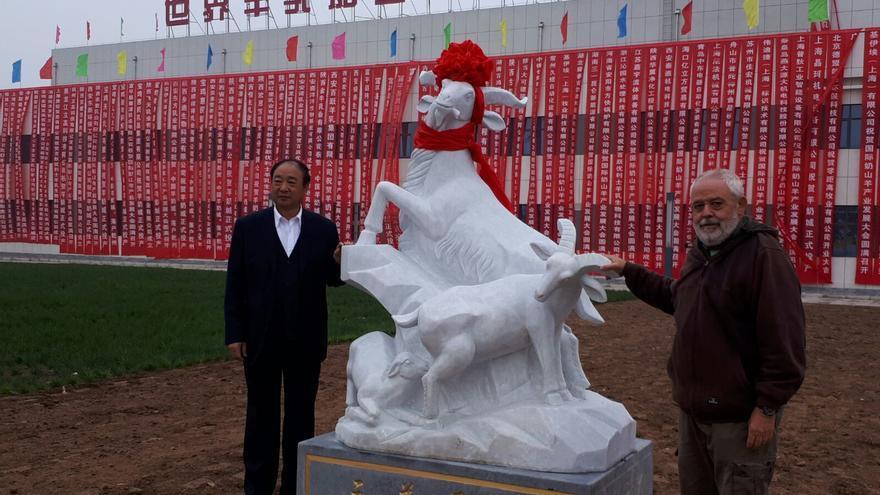 Juan Capote con el presidente de la China Dairy Industry Association.