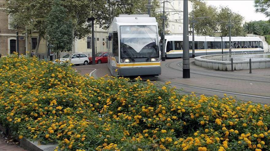 Muere una chica de 19 años tras ser golpeada por un tranvía en Valencia