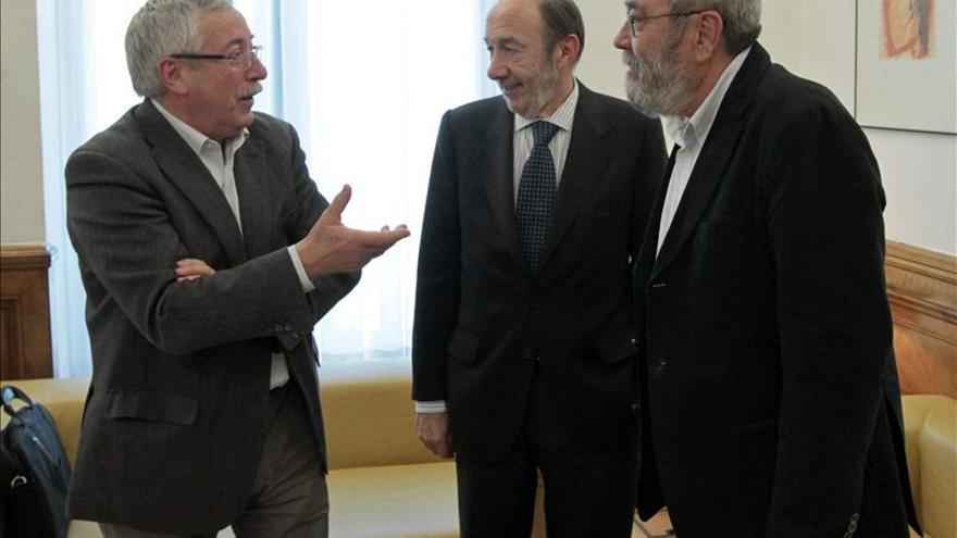 El PP se reunirá el miércoles 29 con Toxo y Méndez en el Congreso