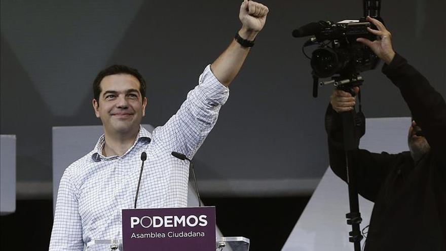 """Alexis Tsipra afirma que """"es la hora de que Rajoy y Samaras se vayan"""""""