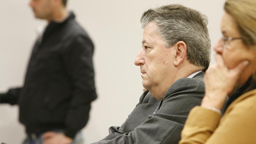 Jaime Cortezo y Elena del Castillo, en una sesión del juicio por la presunta estafa de Hoya Pozuelo. (ALEJANDRO RAMOS)