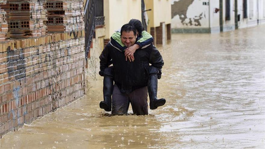 Susana Díaz adelanta a hoy su visita a zonas de Málaga afectadas por temporal