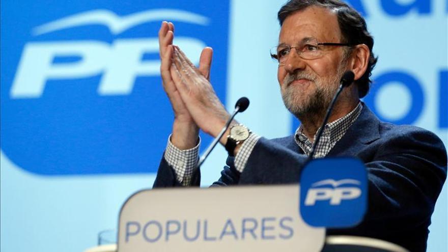 """Rajoy reclama a todos los demócratas """"unidad sin fisuras"""" frente a ETA"""